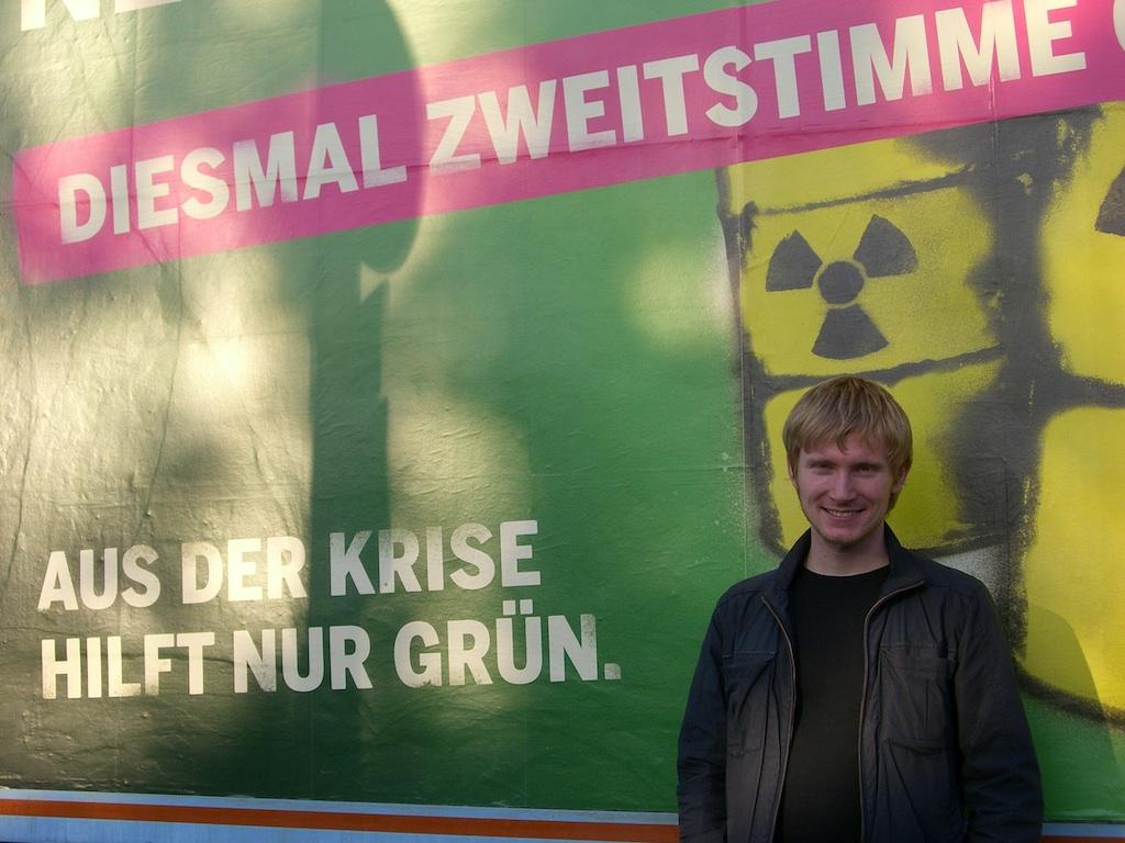 Eine wunderbare Freundschaft. Ich und mein Plakat in der Gartenstraße. Foto: Elisabetta Lombardo