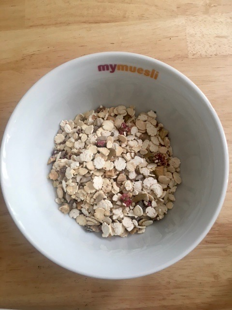 40%-Protein-Müsli in der Schale